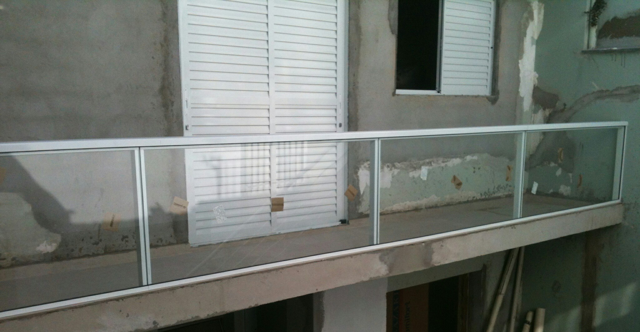 #4F635B Guarda Corpo e Corrimão de Escada 4376 Janela Aluminio Guarulhos